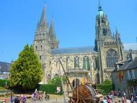 Bayeux bessin fetemedievale manifestation personnage 1300091 l durand calvados tourisme libre